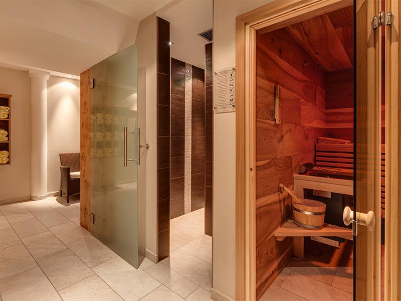 wellness im passeiertal pool relax hotel pension sonnegg. Black Bedroom Furniture Sets. Home Design Ideas